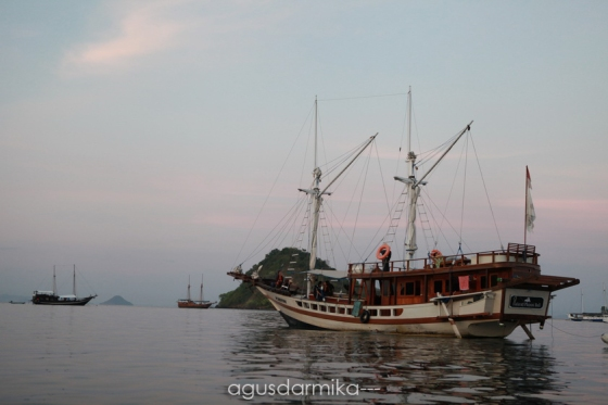 ----- Phinisi boat 01