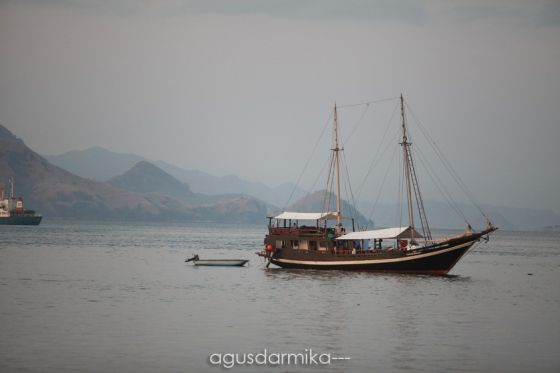 ----- Phinisi boat 02