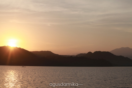 ----- sunrise at labuan bajo
